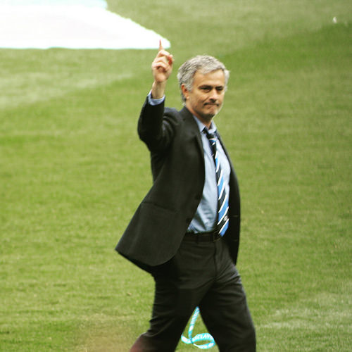 José Mourinho shows the way to go, Chelsea FC 2015